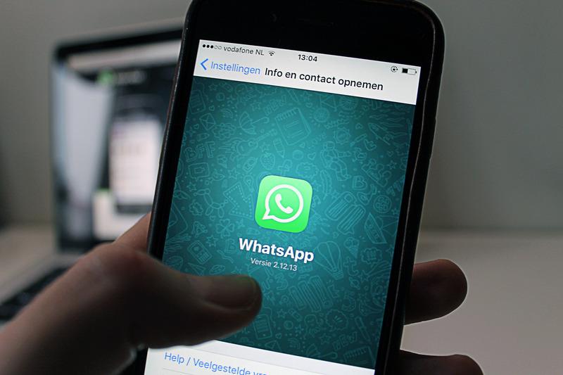 WhatsApp añade el doble check a los chats de grupo