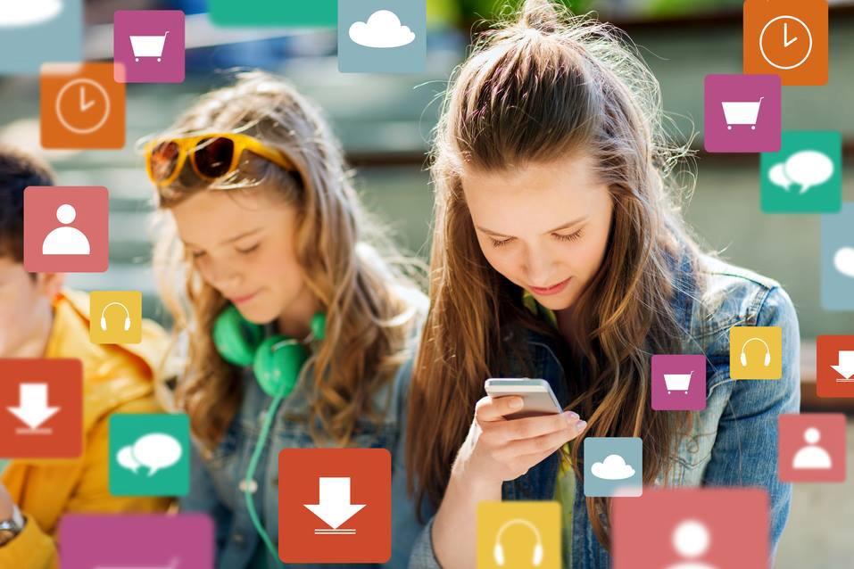 Consejos para evitar el doble 'check' azul de WhatsApp. La novedad no ha gustado a muchos usuarios
