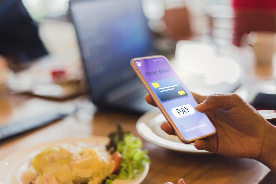 Snapchat se asocia con Square y permite el envío de dinero entre amigos