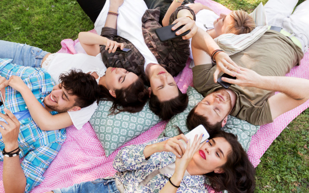 Nueve de cada diez españoles siguen a marcas en las redes sociales