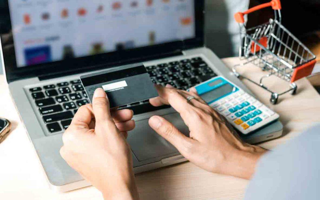 El comercio electrónico apuesta por las redes de puntos de recogida como alternativa al envío a domicilio del cliente.